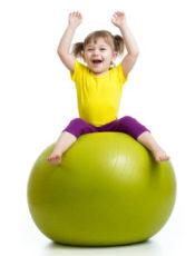 Забавни игри с йога топка